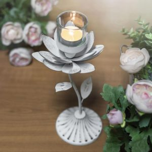 Svícen Lotus